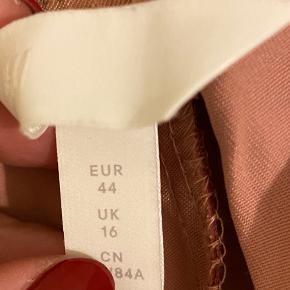 Højtaljet paperbag bukser   Brugt max 2 gange