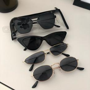 🌸🌸 solbriller købt på ferie 🌸🌸  Sælger disse solbriller, kan købes samlet eller hver for sig. Har kun det ene etui med hjem som det fremgår på billedet.   BYD 🌸🌸