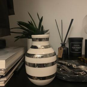 Omaggio vase H 125 sølv  Ny pris 200