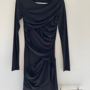 Minimum kjole eller nederdel