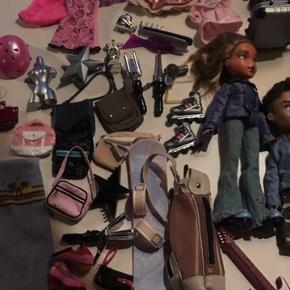 Kæmpe Bratz lege pakke - fine dukker med masser af udstyr sko og tøj.  Sælges samlet