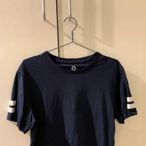 fed god Jack & Jones t-shirt brugt et par gange