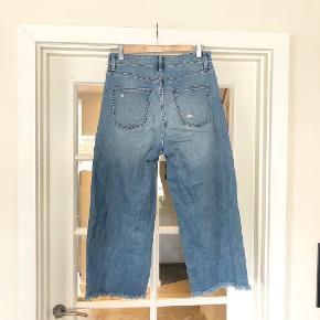Uniqlo jeans, str. 27 i livet. Som nye.