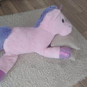 Meget stor pony bamse. Flot stand