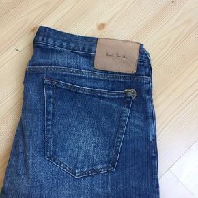 Er lidt i tvivl om størrelsen. Der står i bukserne: Lenght: R 301M/301 Vurdere det nok til en medium