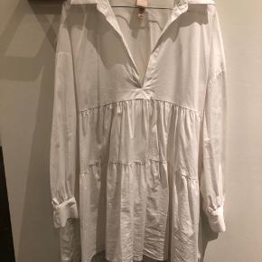 Skjorte kjole/tunika fra H&M   Bytter ikke og køber betaler fragg