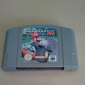 Mario Kart 64 til nintendo 64. Sender gerne :)  Mvh