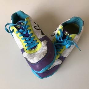 Zumba sko men kan også bruges til dans eller indendørs..:)
