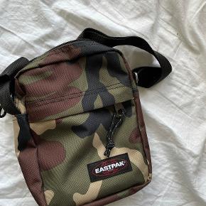 Eastpak taske