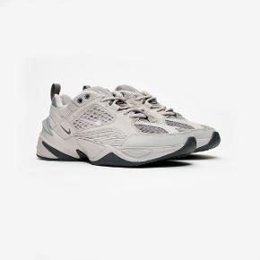 Nike M2K Tekno SP i str 46  Aldrig brugt Skoene er grå Fejlkøb.. nypris 1050kr  Byd gerne. Bytter også gerne😁