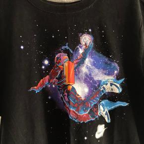- Superfed t-shirt fra Nike - Købt i en Vintage butik - Str. M, men fitter også en Str. L