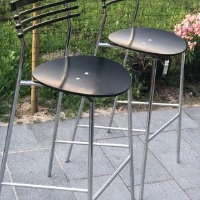 Rail barstole designet af Ars design og købt hos Randers+Radius. Sælges til højeste bud