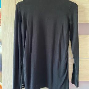 Zara knit, prismærket er taget af men har ikke været i brug.