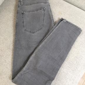 Top shop Leigh jeans in size 25/30