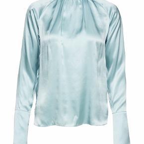 Felina blouse fra Birgitte Herskind 100% silke Brugt sparsomt Ingen fejl eller pletter