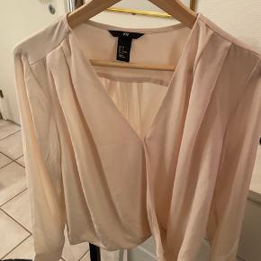 H&M bluse NSN