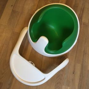 Mamas & Papas bumbo stol i en dejligt grøn farve. Vi har været meget glade for den. Den er god men brugt.