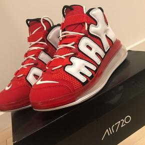 Nike Air Max 720 i rød Brugt 2 gange  Kvittering medfølger, købt i Footlocker