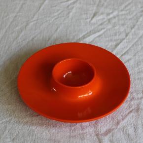 Det klassiske æggebæger i klassisk orange. 1 stk. Brugt, men uden skader.