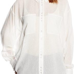Sælger denne flotte skjorte fra Gestuz, fejler intet. Jeg er åben for bud