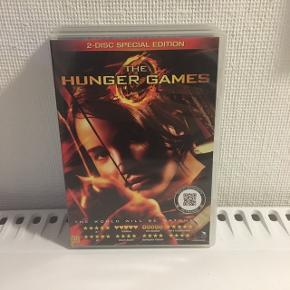 """De tre første film ud af fire i """"The Hunger Games""""  - 50kr pr stk eller 130kr samlet."""