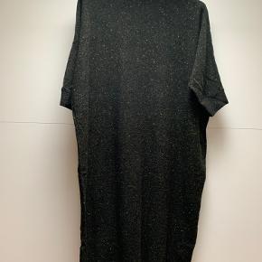 Lækker oversized strik kjole