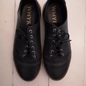 Lækre sko fra svenske Whyred. Fortsat i fin stand. Modelnavn: Zitor. Normale i størrelsen.