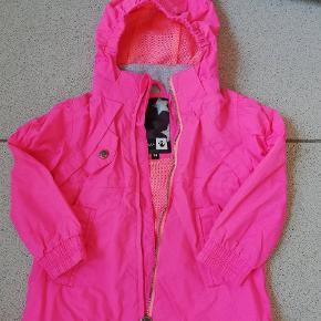 Flot Sommerjakke str 98 i fed pink farve.