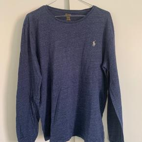 Lækker langærmet trøje fra Polo Ralph Lauren. Trøjen er i rigtig fin stand! Bud modtages gerne🌸