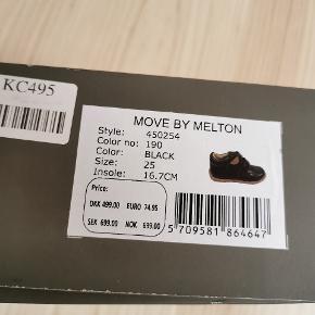 Mega fine overgangssko k lækker kvalitet. Købt for små og kan ikke byttes..