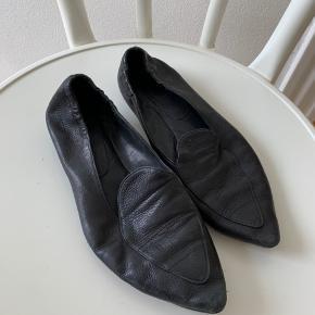 Sorte loafers fra Billi Bi.  Nypris 1100,-