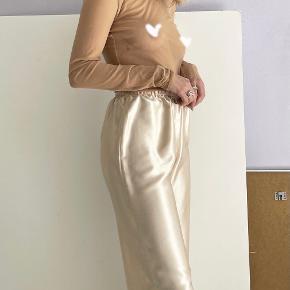 AOA Studio bukser