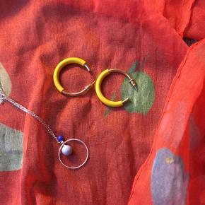 Øreringe og halskæde fra pilgrim, brugt en gang. Byd endelig!