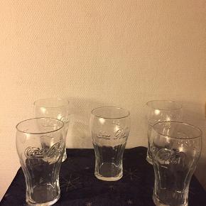 Mega Coca - cola glas (0,75 cl) pr. Stk. 40 kr.