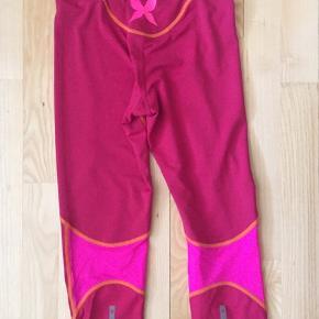3/4 tights med lynlås-lomme bagpå  Aldrig brugt   Sender gerne på købers regning
