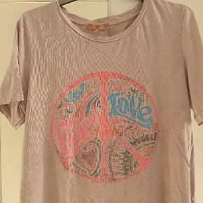 Marta du Chateau t-shirt