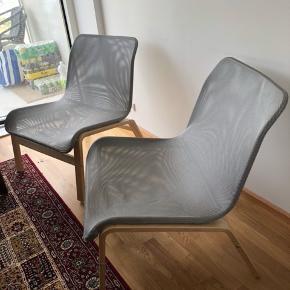 2 stole med fake pels medfølger.  Uden fake pels 300kr  Højde: 75 cm  Bredde: 63 cm  Længde: 54 cm   Ellers BYD