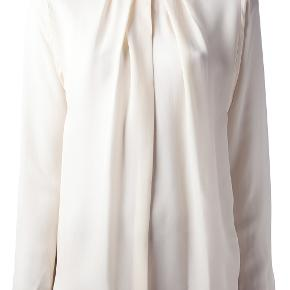 BY MALENE BIRGER BLUSE 65% Viscose, 35% Silk LANG CA 63 CM BRYST CA 112 CM LOOSE FIT.