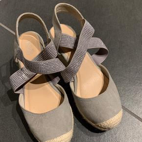 Wallis heels