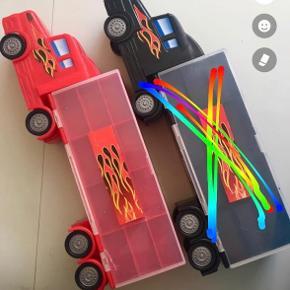 Opbevaring til legetøjsbiler biler Rød 50 kr lille revne se billedet  Sort solgt