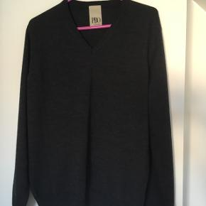 Lækker, super flot pullover/strik fra Philosophy by Blues Original str. M50% uld, 50% akryl Som ny Nypris 600,00 kr.