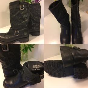 Sancho boots, str 39, lidt brugt og i god stand. Afhentes i Jelling eller sendes med DAO