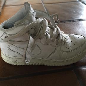Mega seje hvide Nike sælges