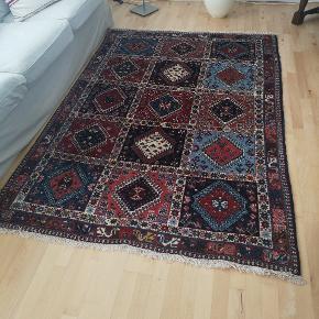 Ægte flot persisk tæppe sælges. Der er 250.000 knuder.  Skal hentes efter aftale 👈
