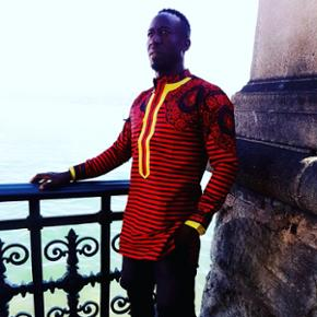 Bonjour je suis creatrice de modeSoyez beaux et belle en pagne africain. Mon insta est kamafashion.   Ses un pret a portè Ya du S M