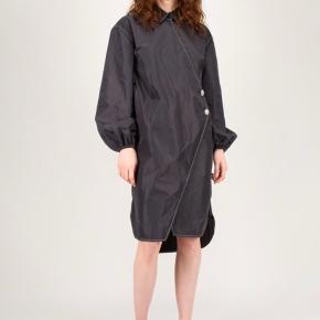 Helt ny kjole fra Ganni, fra den nyeste kollektion. Aldrig brugt.