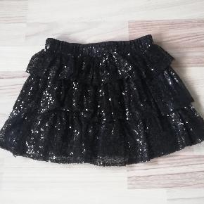 Flot nederdel i fin stand.😍 Sender gerne og hurtig 🚀📬