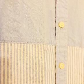 Smuk skjorte fra Banana Republic i tykt skjorte materiale  📬 Køber betaler for forsendelse 📬