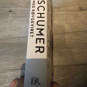 Bogen om Amy schumer , selv biografi , med billeder , humor og sandheder. Fra ikke ryger hjem.