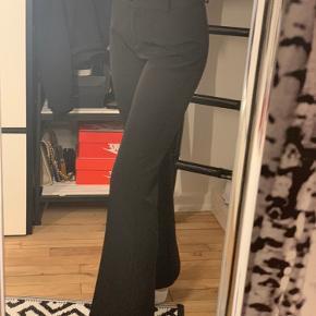 Sælger disse bukser fra design by si i str s aldrig brugt kun prøvet på